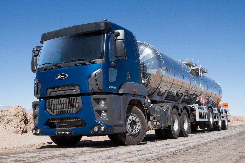 Ford Cargo 2842 6x2 en Salta
